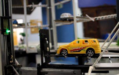 Controle e Automação: alunos criam protótipo de estacionamento automático